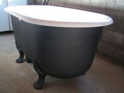 Baignoires anciennes ref b13 baignoire ancienne en for Peinture pour baignoire en email